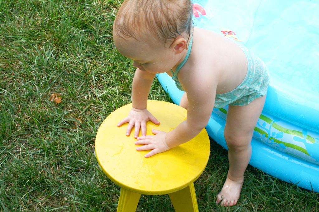 stool-baby-pool